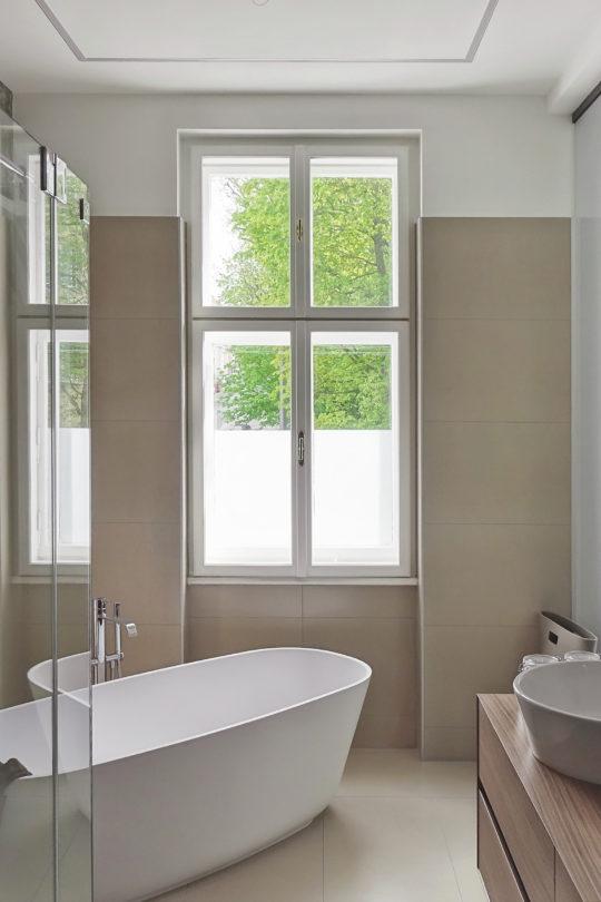 WienerKomfortFenster - Bild eines sanieren Kastenfensters im Badezimmer